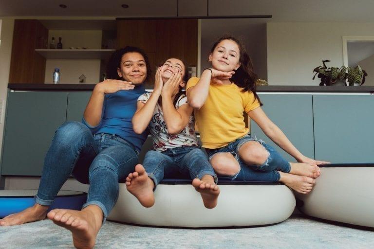 3 girls having fun on AirSpot